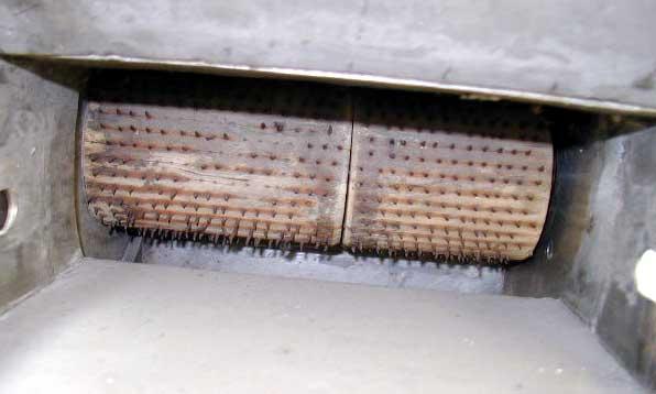 Lavorazione polveri secche e granuli impianti di for Scivolo in ferro usato